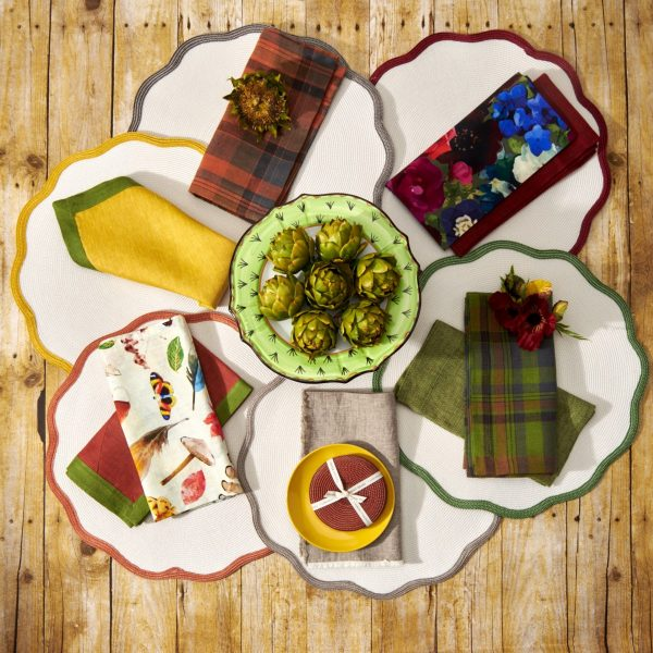 Border Scallop Placemat - Autumn Colors Lifestyle